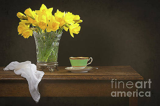 Still Life With Daffodils by Amanda Elwell
