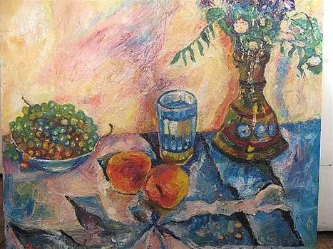 Still-life with grapes by Natalia Slovinskaya