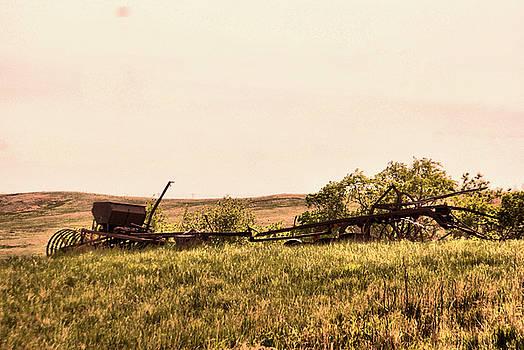 Still ready of work n North Dakota by Jeff Swan