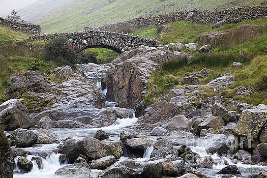 Stockley Bridge over Grains Gill by Gavin Dronfield