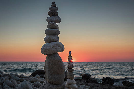 Stone tower by the beach by Evgeni Dinev