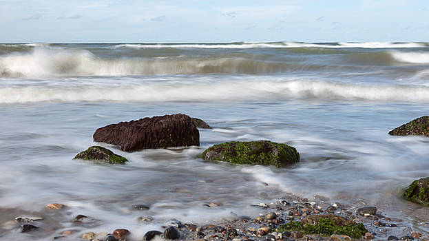 Stones, Seaweed And Waves by Andreas Levi