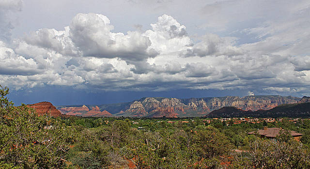 Storm aproaching by Gary Kaylor