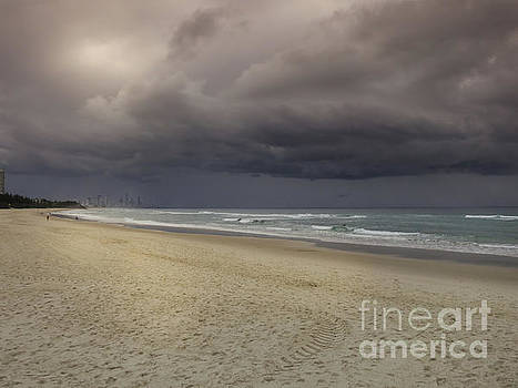 Storm is comming by Barbara Dudzinska