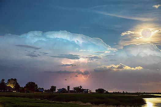 Stormy Bella Luna by James BO Insogna
