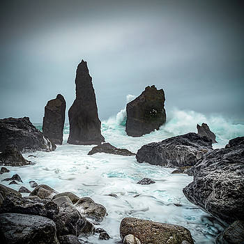 Stormy Iclandic Seas by Andy Astbury