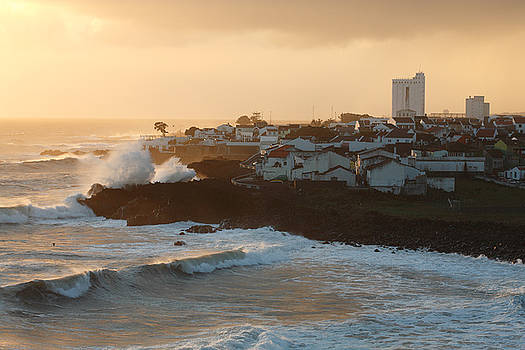Gaspar Avila - Stormy weather in Azores