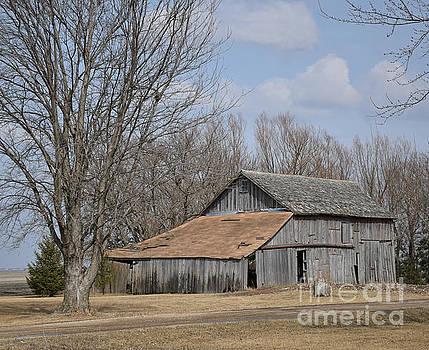 Stratford Barn by Kathy M Krause