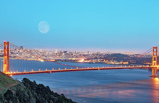Strawberry Moon over GG by Bruce Bottomley