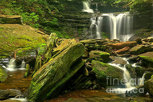 Adam Jewell - Streaming Through The Boulders At Ricketts Glen