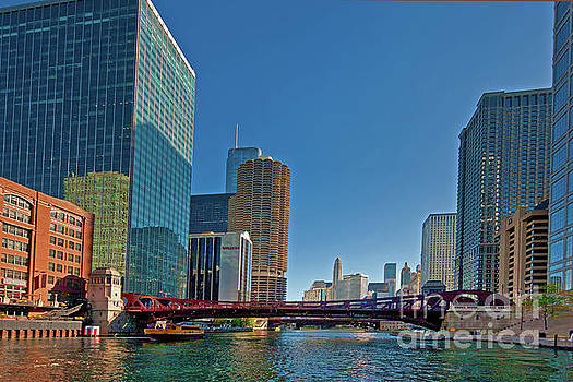 Clark Street Bridge Beautiful buildings Chicago JELE2968.jpg by Tom Jelen