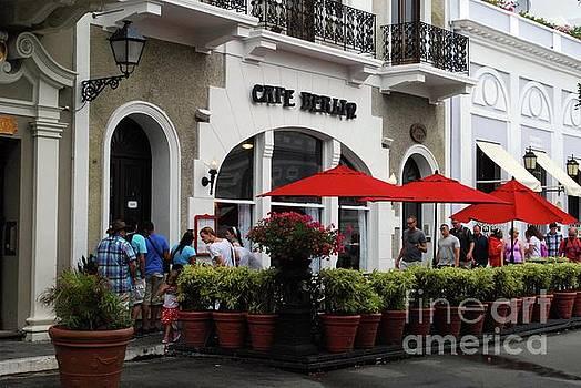 Gary Wonning - Street Cafe