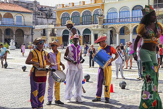 Patricia Hofmeester - Street dancers in Havana