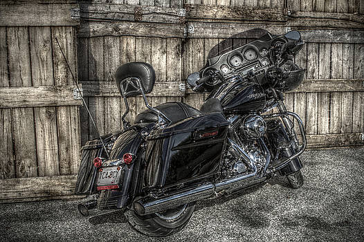 Street Glide Crated 2 by Bennie McLendon