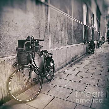 Justyna Jaszke JBJart - street photo bicycle