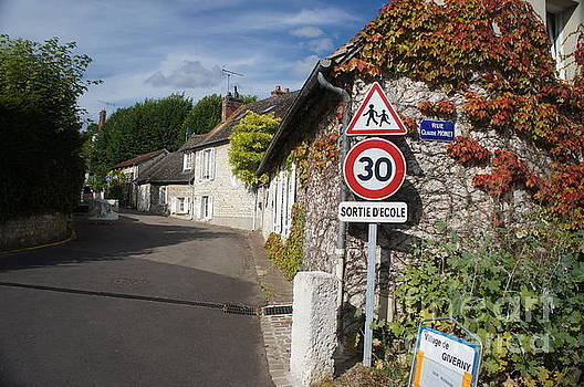 Street view of Giverny by Therese Alcorn