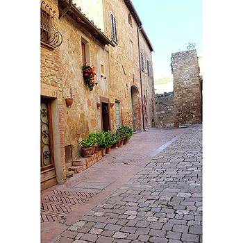 Streets Of #pienza #tuscany by Shauna Hill
