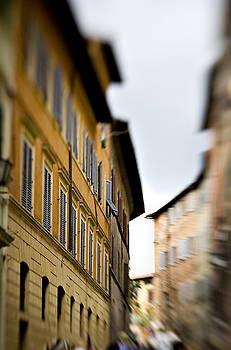 Marilyn Hunt - Streets of Siena
