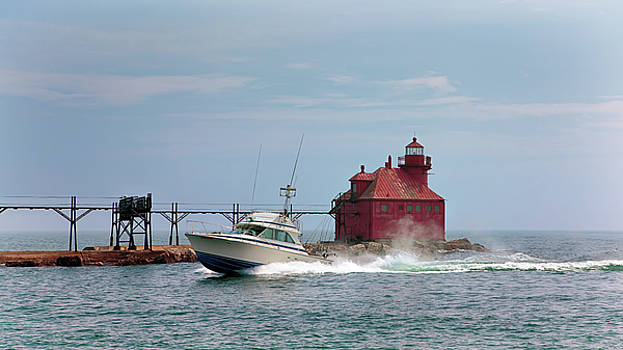 Susan Rissi Tregoning - Sturgeon Bay North Pier Head Light