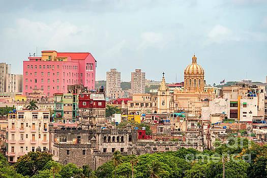 Such different Havana by Viktor Birkus