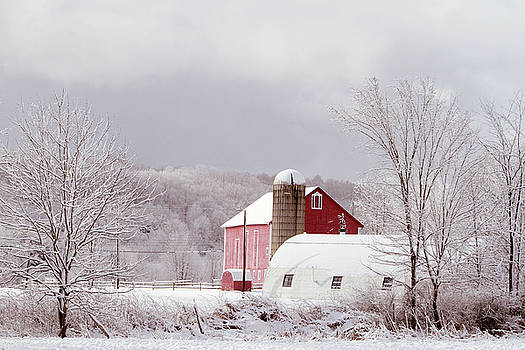 Sugar and Spice- Country Barn by Susie Gordon