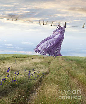 Sandra Cunningham - Summer dress blowing on clothesline with girl walking down path