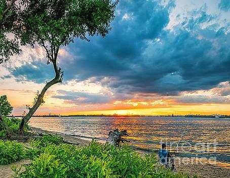 Nick Zelinsky - Summer sunset over the Delaware River in New Jersey