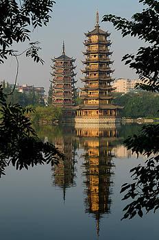 Reimar Gaertner - Sun and Moon Pagodas on Shanhu or Fir Lake in early morning fram