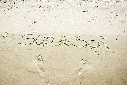 Newnow Photography By Vera Cepic - Sun and sea written in sand