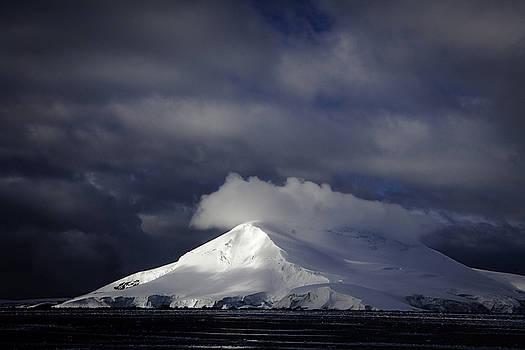 Sun Breakthru- Antarctica by Ralph Fahringer