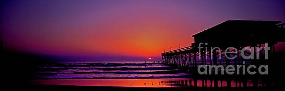 Sun-glow Fishing Pier Daytona Beach Florida by Tom Jelen