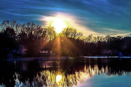 Sun Going Down by Barry Jones