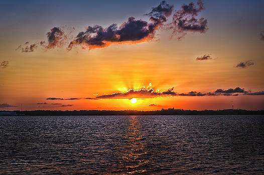 Sun Going Down by Louise Hill
