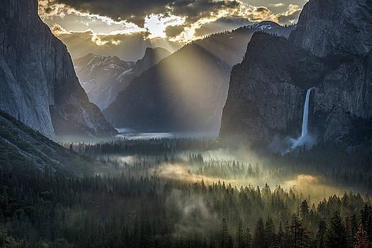 Sun Rays on Yosemite Valley Morning Fog by Jeff Sullivan