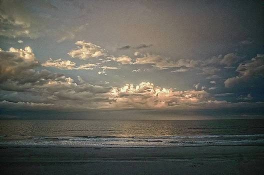 Sundown at the Shore by Judy Hall-Folde