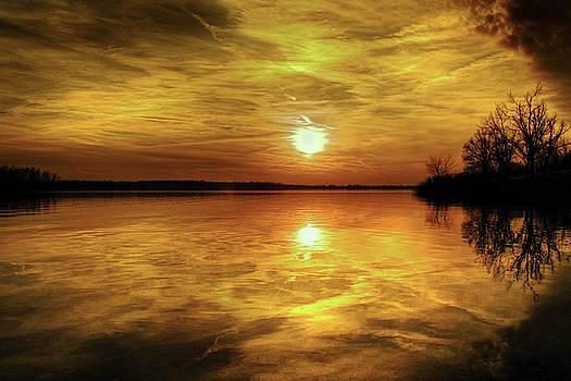 Sundown by Ron  McGinnis