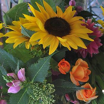 Sunflower Bouquet by Linda Sramek