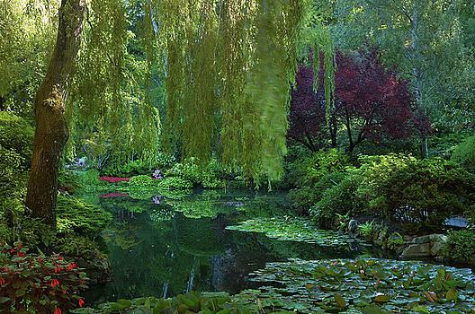 Reimar Gaertner - Sunken garden pond at Butchart Gardens