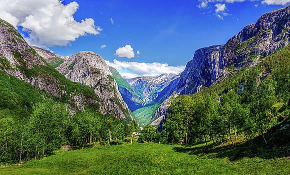 Sunny day in Naroydalen valley by Dmytro Korol