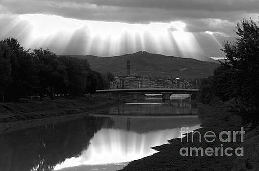 sunrays on Firenze by Leonardo Fanini