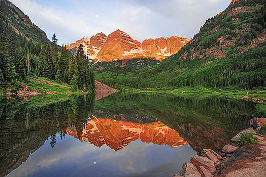 Sunrise at Maroon Bells in Summertime by Eneida Gastal-Keith