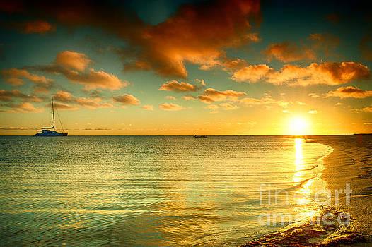 Sunrise at Monkey Mia by Yew Kwang