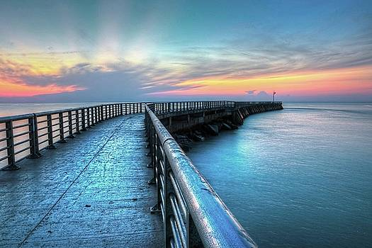 Carol Montoya - Sunrise At Sebastian Inlet
