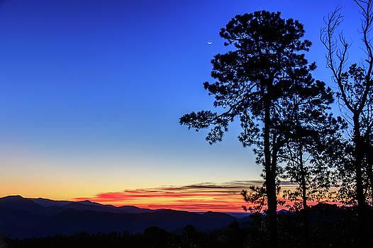 Sunrise at Table Rock by Joni Eskridge