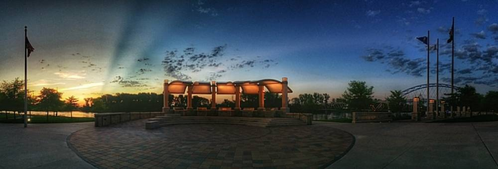 Sunrise at Veterans memorial park by Dustin Soph