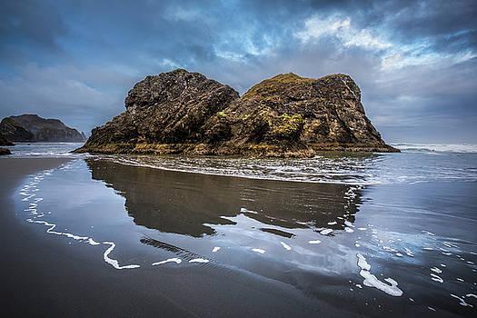 Debra and Dave Vanderlaan - Sunrise Beauty on the Pacific Coastline