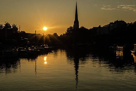 Jacek Wojnarowski - Sunrise Bristol, St Mary Redcliffe, captured Floating Harbour