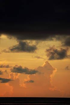 Sami Sarkis - Sunrise in a cloudy sky over the sea