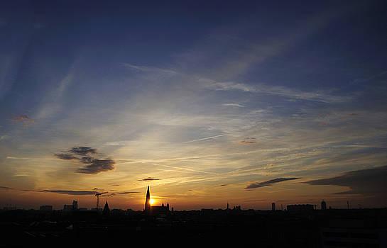 Sunrise in Munich by Adrian Hancu