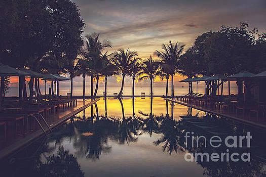 Sophie McAulay - Sunrise in paradise